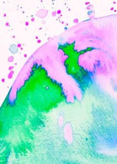 Vernice del cerchio dell'acquerello su fondo bianco