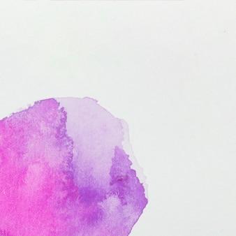 Vernici viola su carta bianca