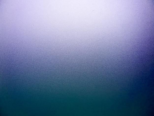 Vetro di superficie della finestra e colore viola dopo la luce del sole