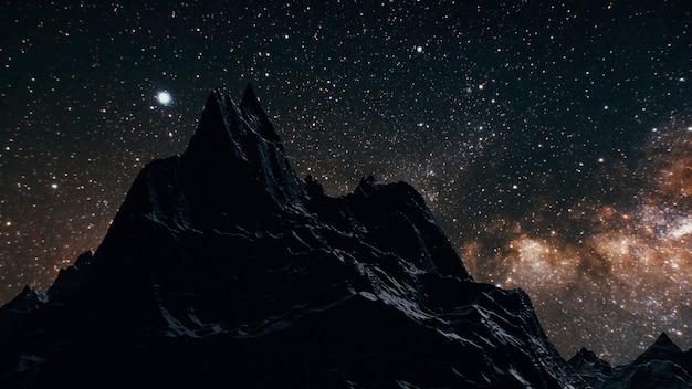 Via lattea nella notte sopra le montagne