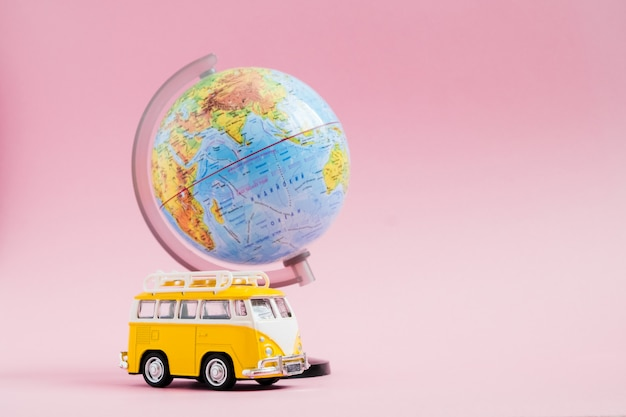 Viaggia in auto, world travel, vacanze estive