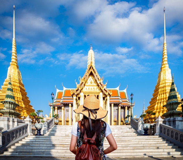 Viaggio asiatico della signora nel keaw di phra del wat