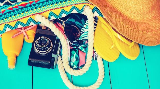 Viaggio di fondo. articoli per tour in mare.
