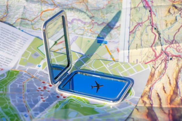 Viaggio in aereo, vacanze, vai su un concetto di avventura.