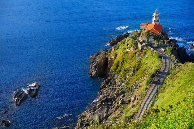Villaggio di cudillero nelle asturie in spagna