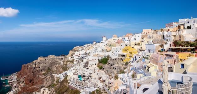 Villaggio di oia, isola di santorini, in grecia
