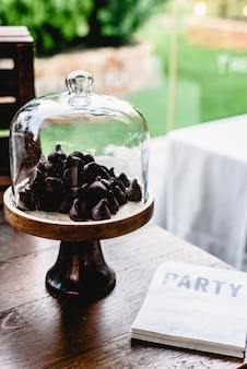 Vintage bar di caramelle con ciambelle e un sacco di zucchero