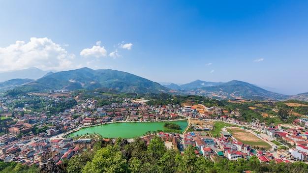 Vista aerea aerea sapa city, lao cai, vietnam