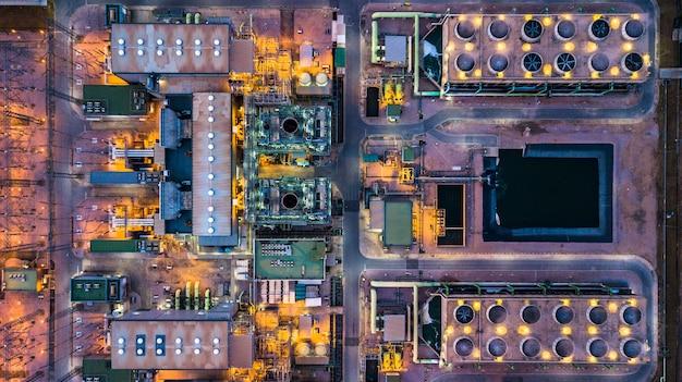 Vista aerea centrale termoelettrica e centrale a ciclo combinato.