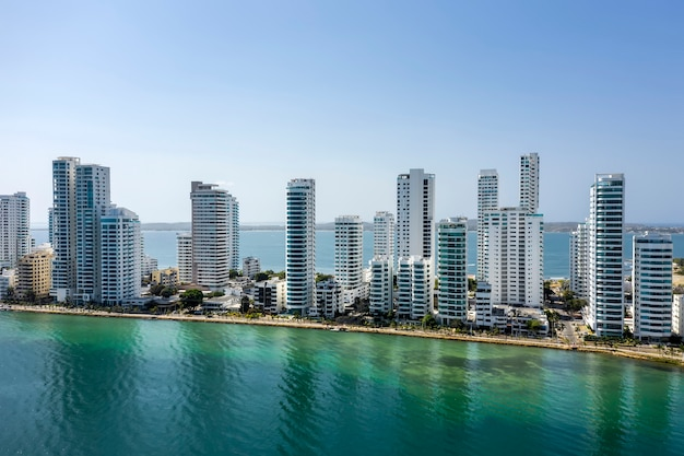 Vista aerea degli hotel e degli alti condomini