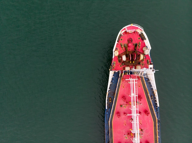 Vista aerea del trasporto marittimo, nave rosa della petroliera, gpl, cng alla proprietà industriale tailandia