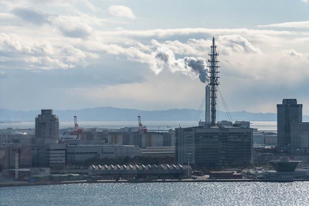 Vista aerea dell'area portuale di osaka nel giappone