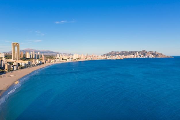 Vista aerea dell'orizzonte di benidorm alicante della spiaggia di poniente