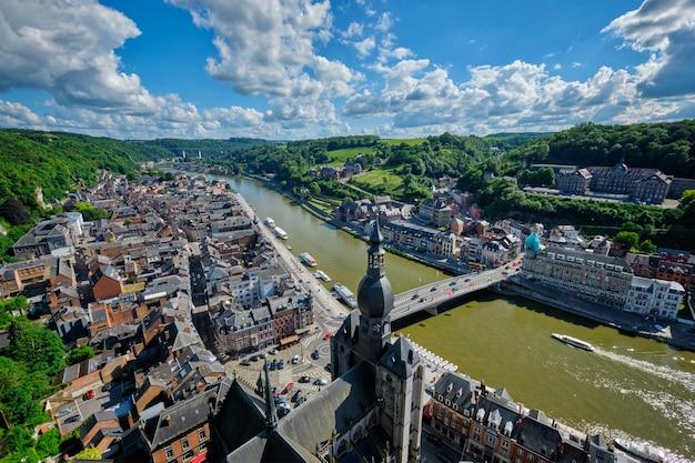 Vista aerea della città di dinant, belgio