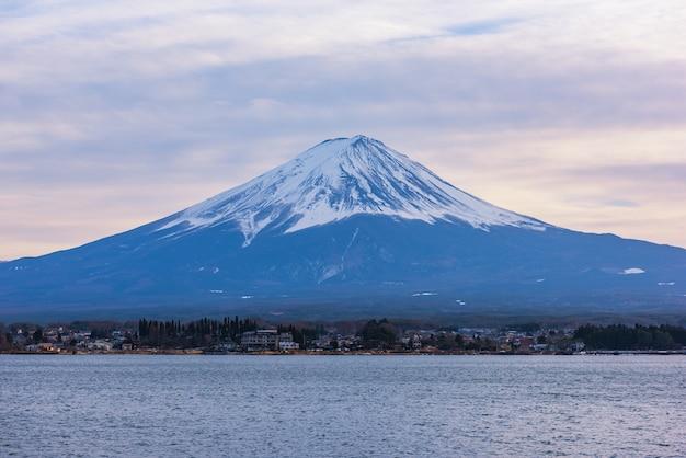 Vista aerea della montagna di fuji, giappone