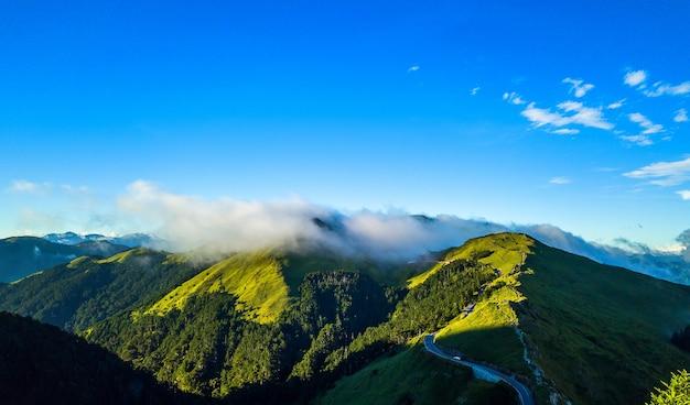 Vista aerea della montagna di hehuanshan