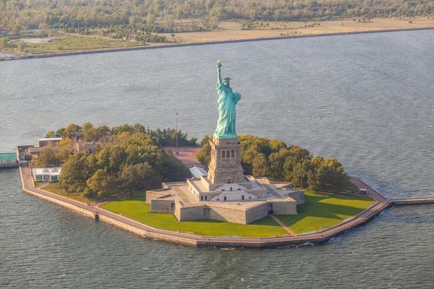 Vista aerea della statua della libertà, new york