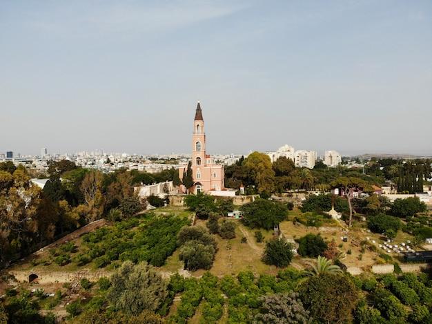 Vista aerea in israele. tel aviv, zona bat yam. creato dal drone da un incredibile punto di vista. diverso angolo per i tuoi occhi. medio oriente, terra santa.