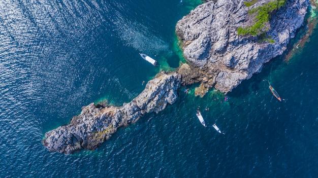 Vista aerea lan di lan kai island, squalo balena immersioni subacquee e snorkeling in thailandia, chumporn