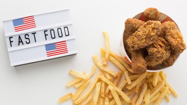 Vista dall'alto del concetto di cibo americano