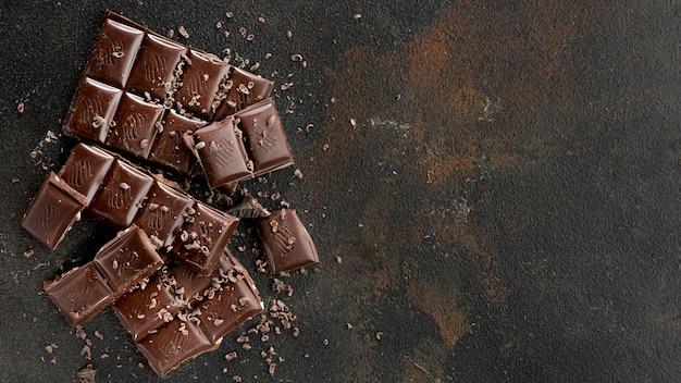 Vista dall'alto del concetto di cioccolato con spazio di copia