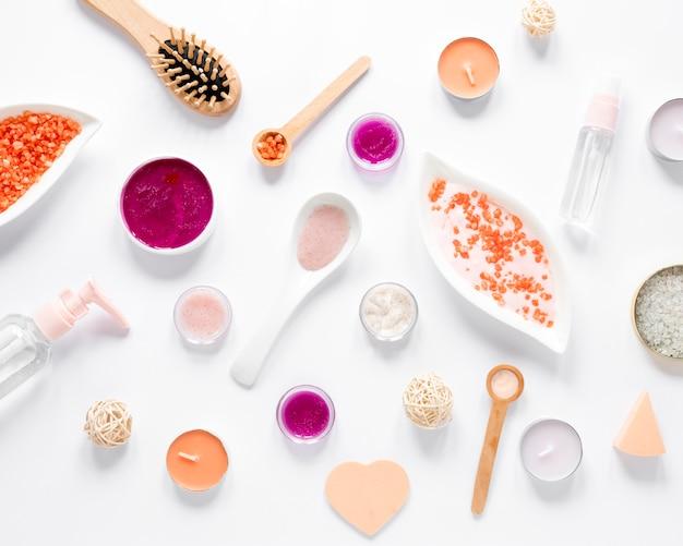 Vista dall'alto del concetto di cosmetici naturali
