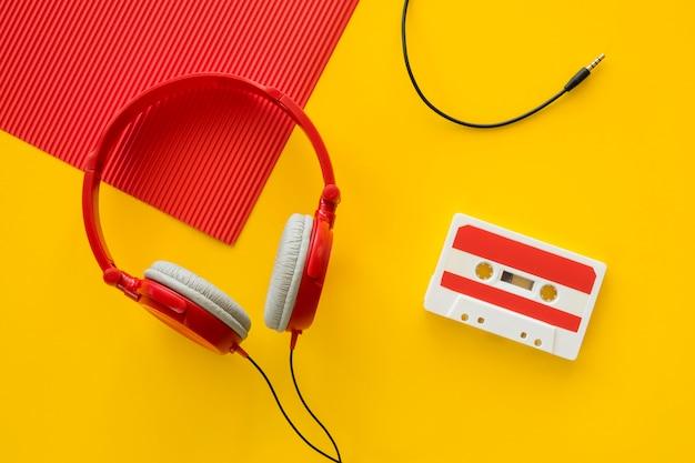 Vista dall'alto del concetto di musica auricolari