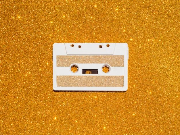 Vista dall'alto del concetto di musica con casette
