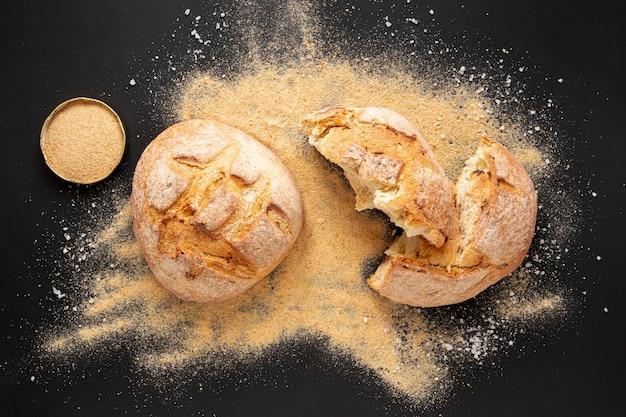 Vista dall'alto delizioso pane fatto in casa