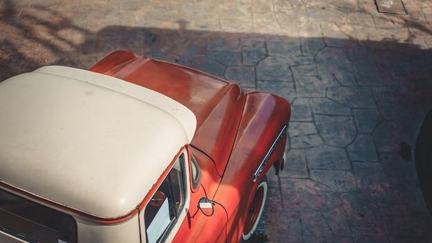 Vista dall'alto dell'automobile
