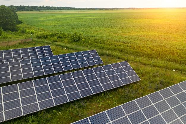 Vista dall'alto della stazione dell'impianto solare.