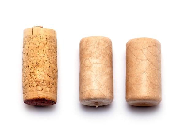 Vista dall'alto di cork wine cork in legno isolato