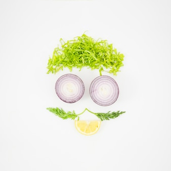 Vista dall'alto di diversi tipi di verdure