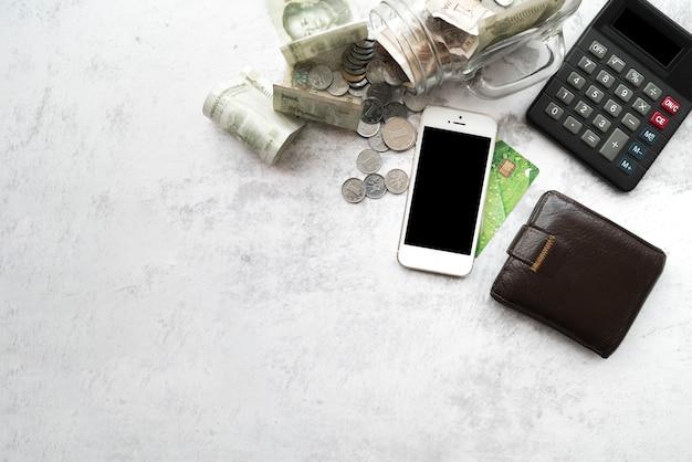 Vista dall'alto di elementi finanziari
