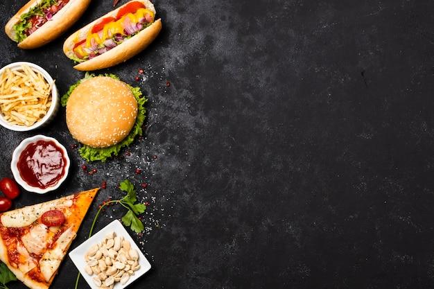 Vista dall'alto di fast food con spazio di copia