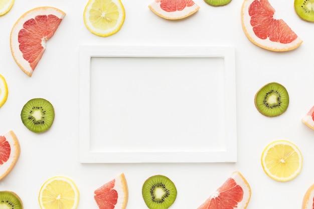 Vista dall'alto di frutta con spazio di copia