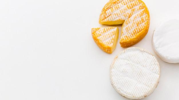 Vista dall'alto di prodotti lattiero-caseari