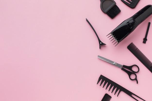 Vista dall'alto di prodotti professionali per capelli