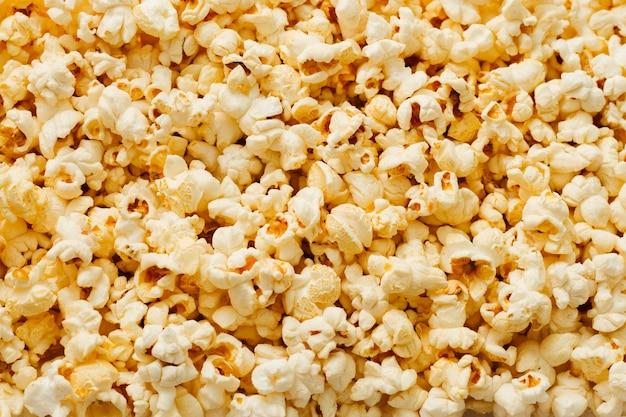 Vista dall'alto di sfondo solido popcorn