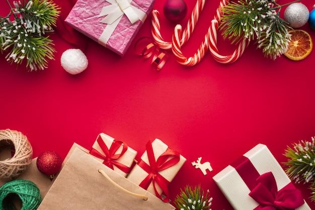 Vista dall'alto festosa decorazione natalizia