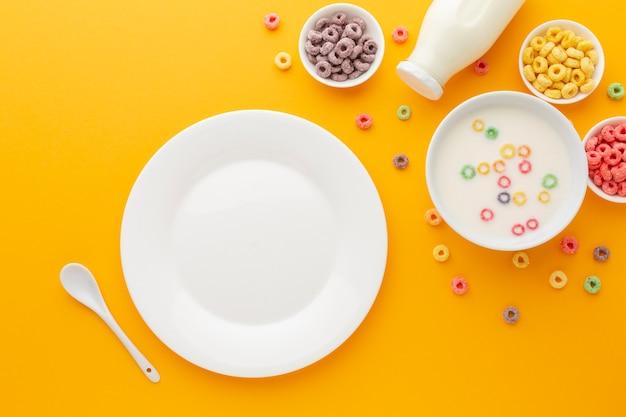 Vista dall'alto gustosa colazione con spazio di copia