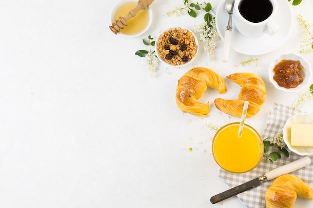 Vista dall'alto gustosa colazione