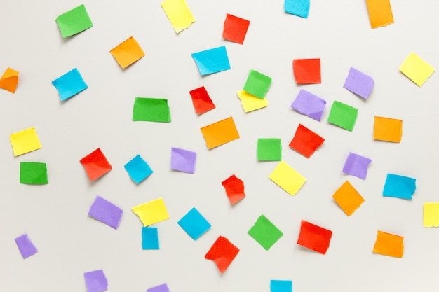 Vista dall'alto note adesive colorate