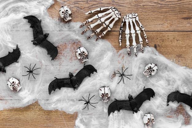 Vista dall'alto spaventoso elementi di halloween con pipistrelli