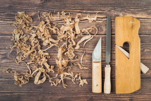 Vista dall'alto strumenti per la lavorazione del legno