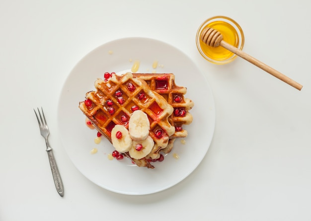 Vista dall'alto waffle con miele
