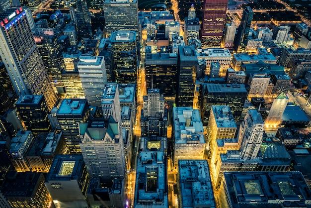 Vista degli edifici e dei grattacieli di chicago