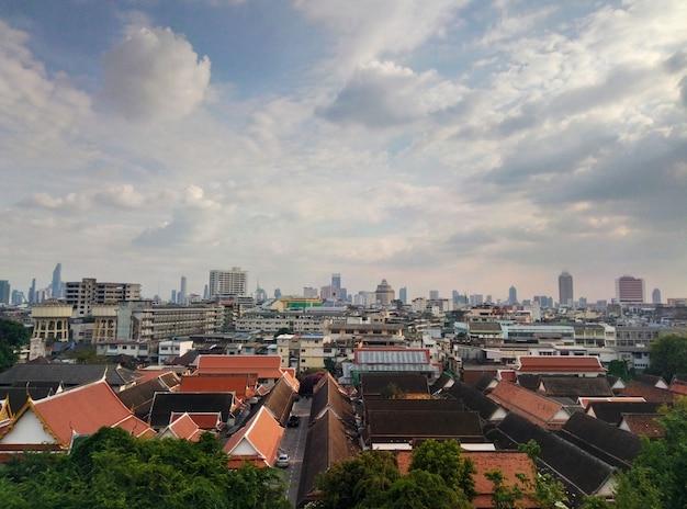 Vista del paesaggio di bangkok nel pomeriggio