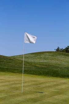 Vista del paesaggio di un campo da golf in algarve.