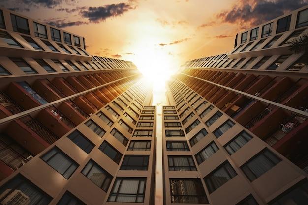 Vista del paesaggio urbano di architettura futuristica